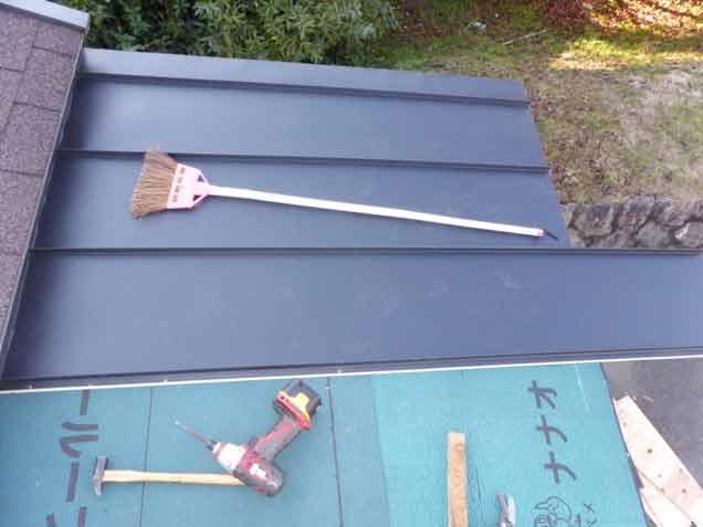 クワガタ小屋の屋根