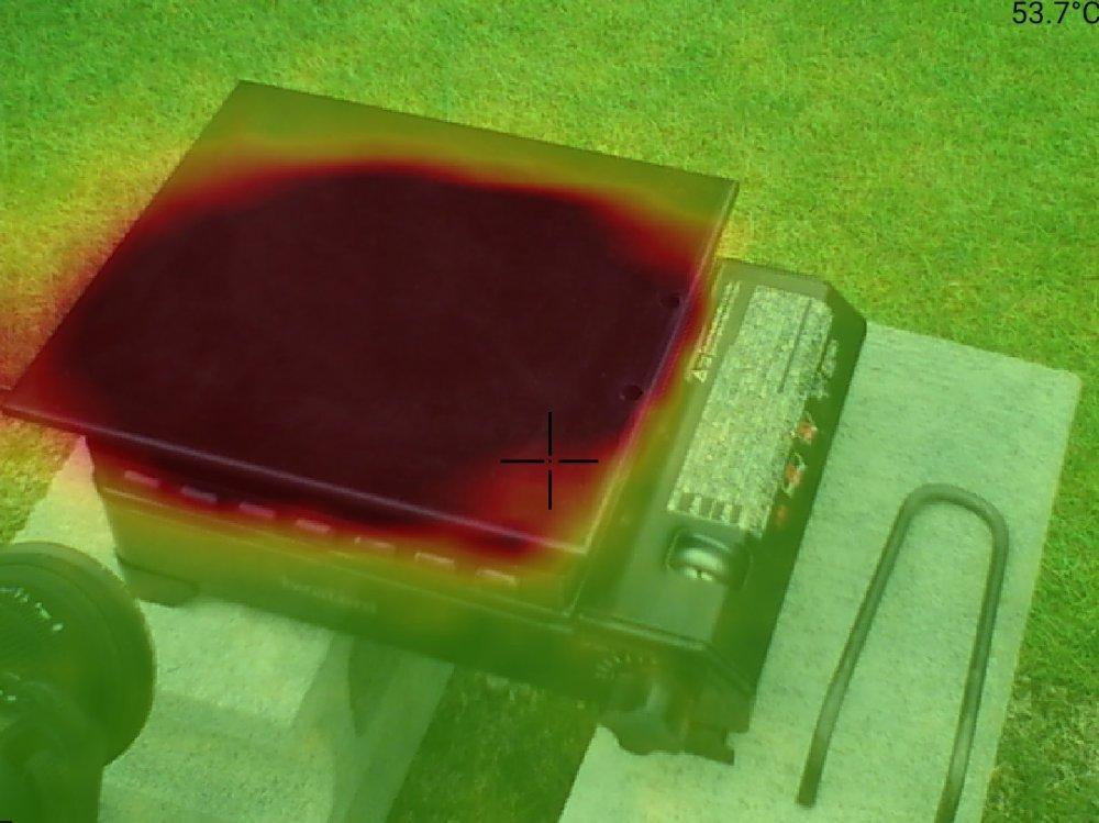 鉄板のサーモグラフィ画像